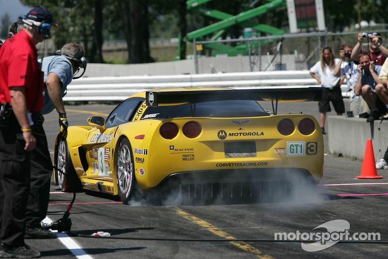 Défi de l'équipe de stand : #3 Corvette Racing Corvette C6-R: Ron Fellows, Johnny O'Connell