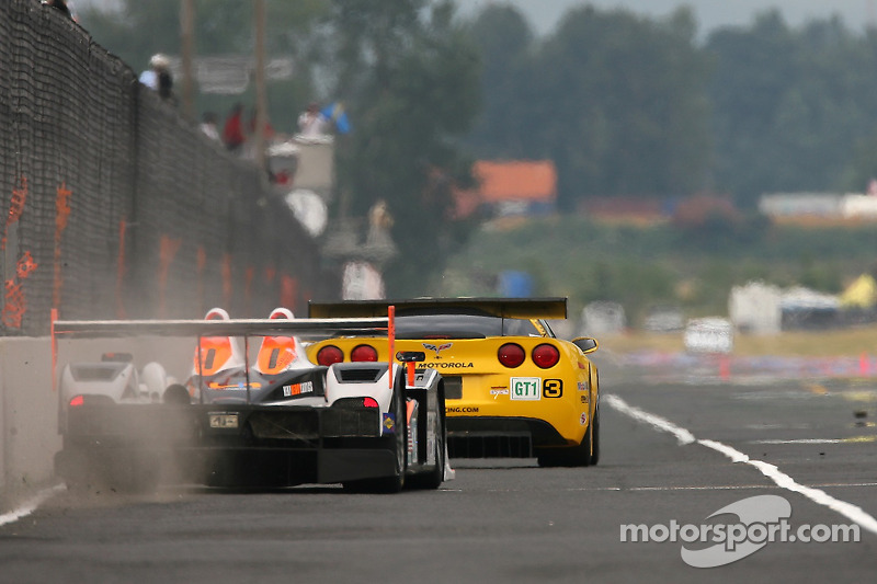 #3 Corvette Racing Corvette C6-R: Ron Fellows, Johnny O'Connell, #37 Intersport Racing Lola B05/40 AER: Clint Field, Liz Halliday, Jon Field