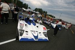 Dyson Racing Team Lola B06/10 AER on the starting grid