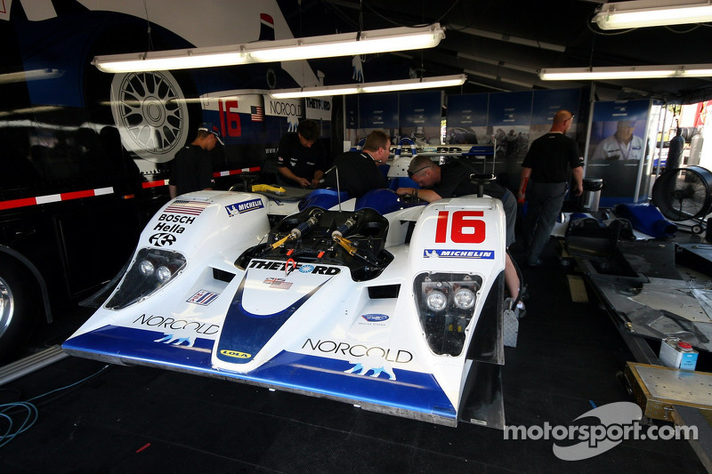 #16 Dyson Racing Team Lola B06/10 AER