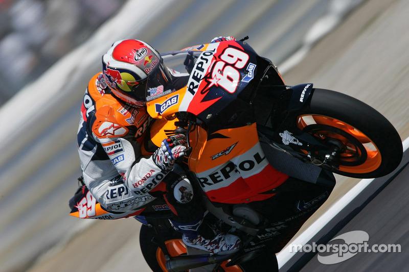 Сезон 2006 года Хейден начал с серии стабильно высоких результатов – вплоть до восьмого этапа чемпионата он всего раз не попал в топ-3.