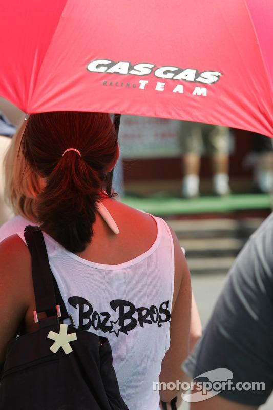 Boz Bros fan