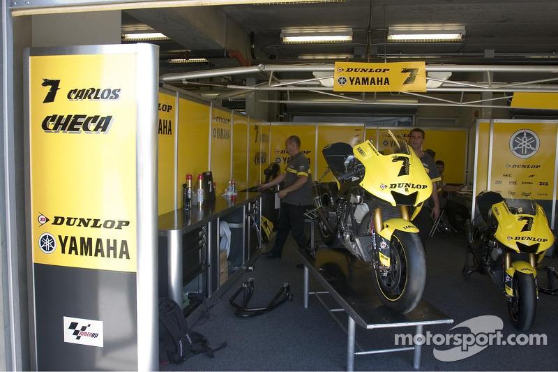 L'équipe Tech3 Yamaha au travail