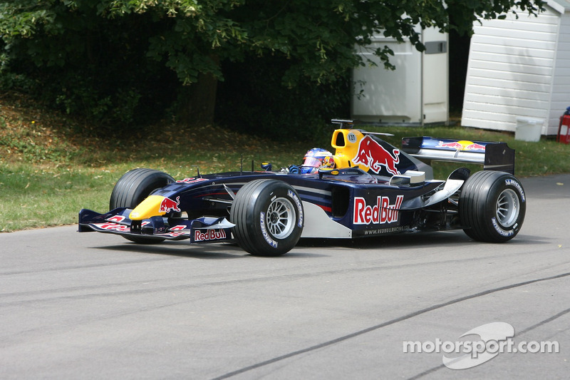 Red Bull Cosworth RB1: Robert Doornbos