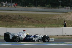 Nick Heidfeld with a puncture