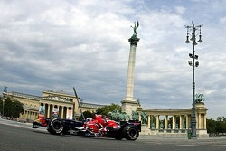 Running bulls rendez-vous in Budapest: Peter Besenyei and an STR1 and an RB2 meeting up at famous He