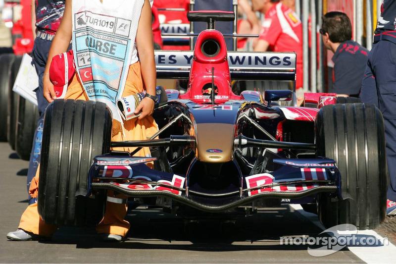Scuderia Toro Rosso STR01