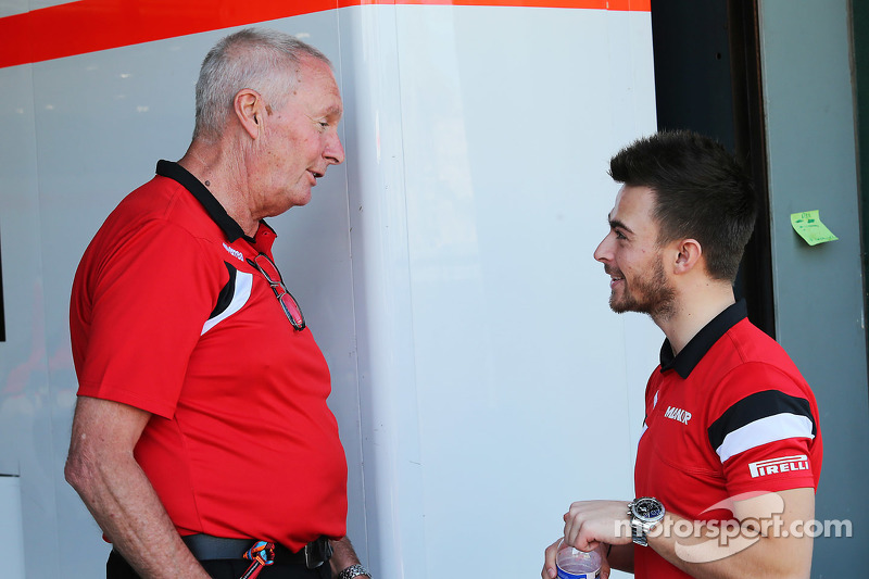 (da sinistra a destra): John Booth, Team Principal Manor F1 Team con Will Stevens, Manor F1 Team