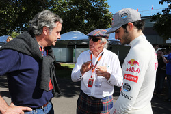 Carlos Sainz mit Jackie Stewart und Carlos Sainz jr., Scuderia Toro Rosso