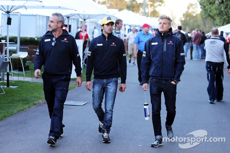Beat Zehnder, Teammanager Sauber F1, mit Felipe Nasr, Sauber F1 Team, und Marcus Ericsson, Sauber F1 Team
