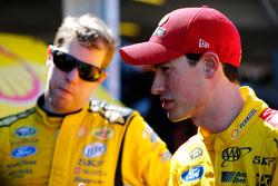 Brad Keselowski und Joey Logano, Team Penske, Ford