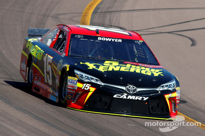 Clint Bowyer, Michael Waltrip Racing, Toyota