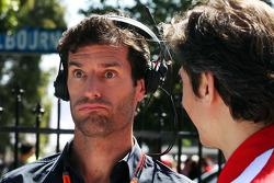 Mark Webber, Porsche Team WEC-coureur met Massimo Rivola, Ferrari Sportief directeur