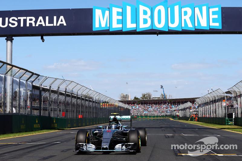 尼克·罗斯伯格, 梅赛德斯AMG车队 F1 W06赛车,在起步线上