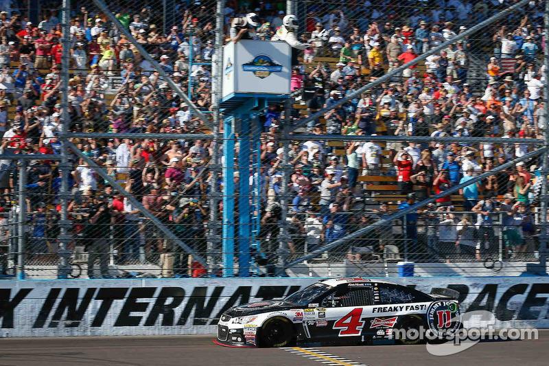 Kevin Harvick, Stewart-Haas Racing, Chevrolet, mit dem Sieg