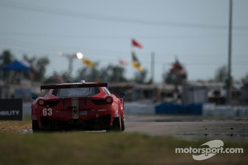 #63 Scuderia Corsa Ferrari 458 Italia: Білл Свідлер, Таунсенд Белл, Anthony Lazzaro