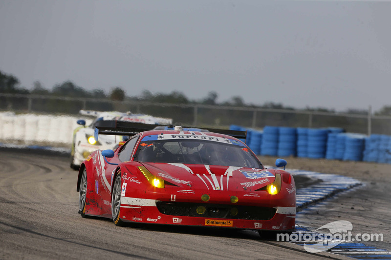 #63 Scuderia Corsa, Ferrari 458 Italia: Bill Sweedler, Townsend Bell, Anthony Lazzaro