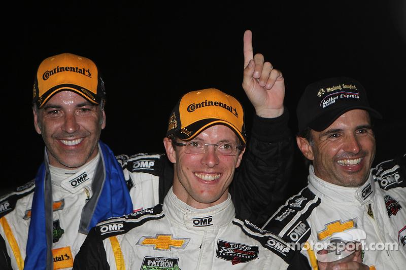 Para juara balapan #5 Action Express Racing Corvette DP: Joao Barbosa, Sébastien Bourdais, Christian