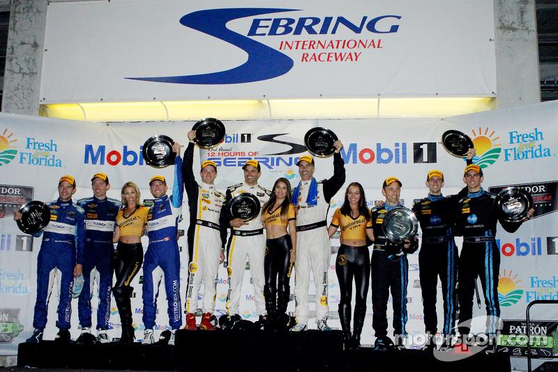 P class podium: Joao Barbosa, Sébastien Bourdais, Christian Fittipaldi, peringkat kedua Ricky Taylor