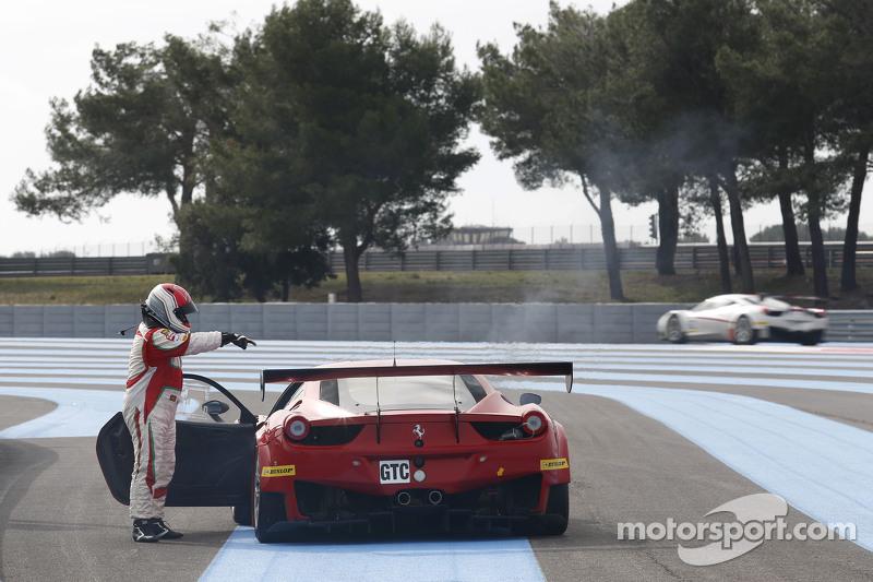 AF Corse Ferrari F458 Italia: Mads Rasmussen, Filipe Barreiros, Francisco Guedes berhenti di trek