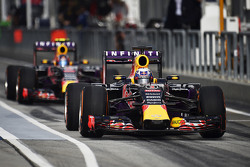 Daniel Ricciardo, Red Bull Racing RB11, und Teamkollege Daniil Kvyat, Red Bull Racing RB11