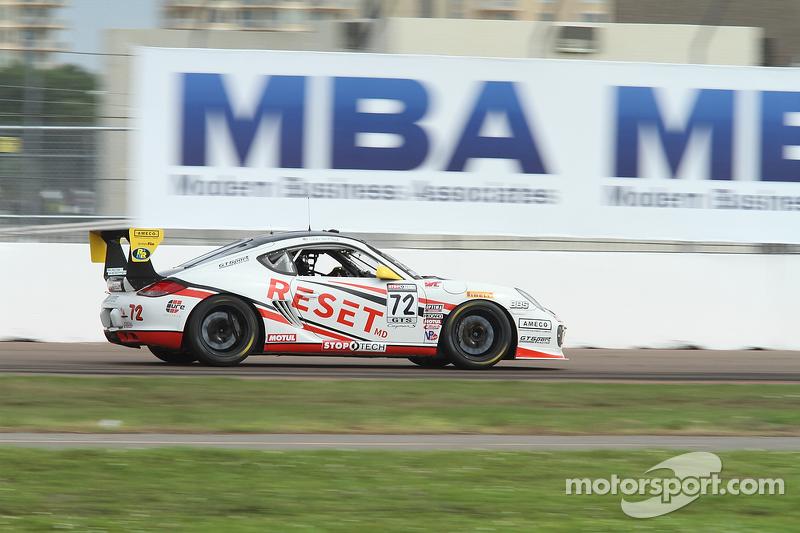 #72 GTSport Racing,保时捷卡曼S: Buz McCall