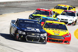 Jamie McMurray, Ganassi Racing Chevrolet, Joey Logano, Team Penske Ford