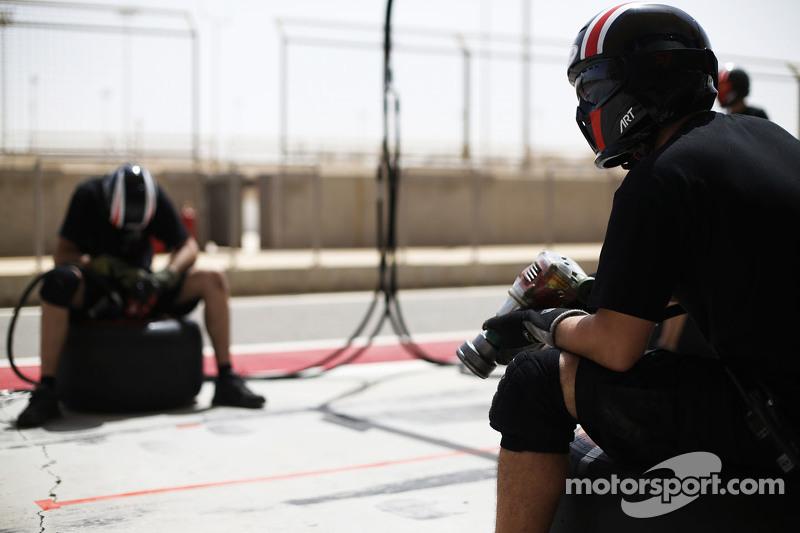 ART Grand Prix preparando una parada de pit