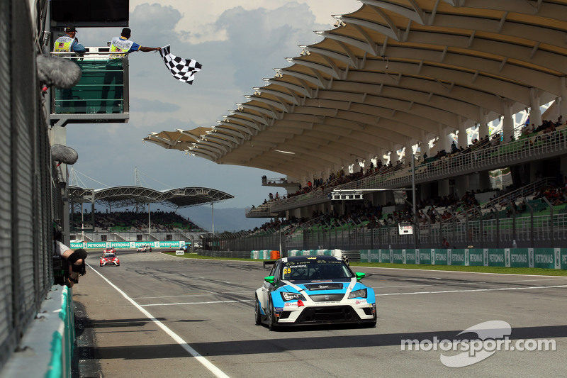1. Stefano Comini, SEAT Leon Racer, Target Competition