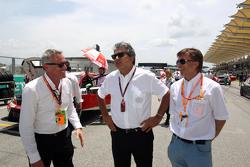 Marcello Lotti, Geschäftsführer TCR,  mit Jost Capito, Volkswagen-Sportchef