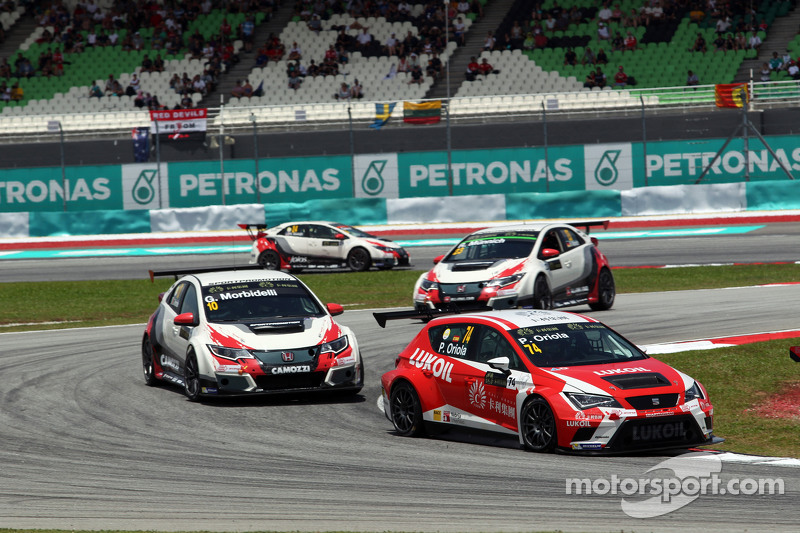 Pepe Oriola, SEAT Leon Racer, Craft Bamboo Racing LUKOIL and Gianni Morbidelli, Honda Civic TCR, Wes