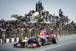 David Coulthard, Red Bull Racing, participa en el Red Bull Showrun en el Necklace Road en Hyderabad, India