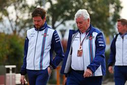 Роб Смедли, руководитель гоночной бригады Williams, и Пэт Симондс, технический директор Williams