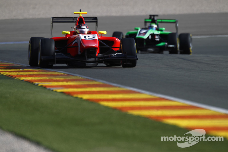 Emil Bernstorff, Arden International, und Seb Morris, Status Grand Prix