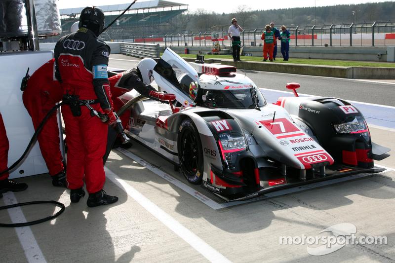 #7 Audi Sport Team Joest Audi R18 e-tron quattro: Марсель Фасслер, Andre Lotterer, Benoit Tréluye