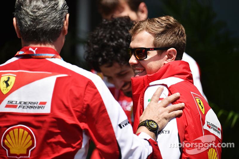 Sebastian Vettel, Ferrari con Maurizio Arrivabene, Ferrari Team Principal