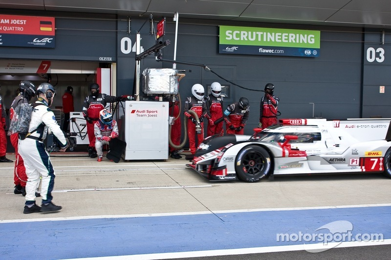 #7 Audi Sport Team Joest Audi R18 e-tron quattro: Marcel Fassler, Andre Lotterer, Benoit TreÌ_x0081_luyer