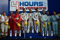 领奖台: 第二名Felipe Barreiros, Mads Rasmussen, Francisco Guedes;获胜者Eric Dermont, Franck Perera, Dino Luna