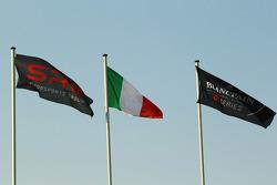 SRO: Flaggen der Italienischen und Blancpain GT-Serien