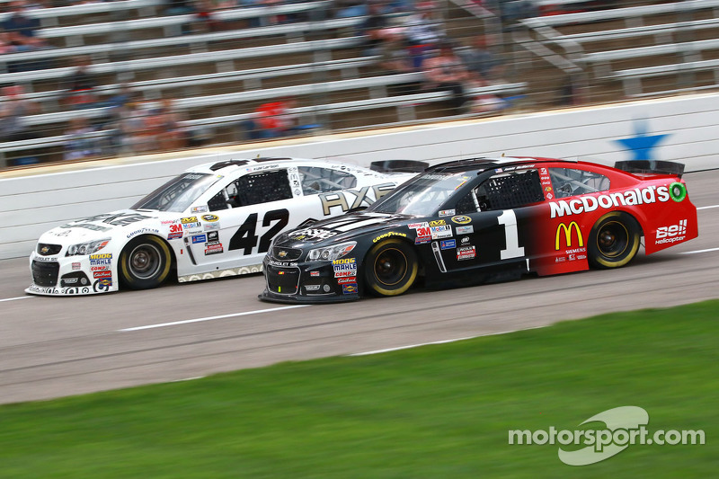 Jamie McMurray and Kyle Larson, Ganassi Racing Chevrolets