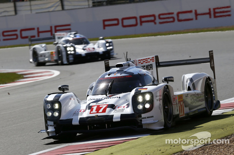 #17 Porsche Team 919 Hybrid: Timo Bernhard, Mark Webber, Brendon Hartley y el #18 Porsche Team 919 H