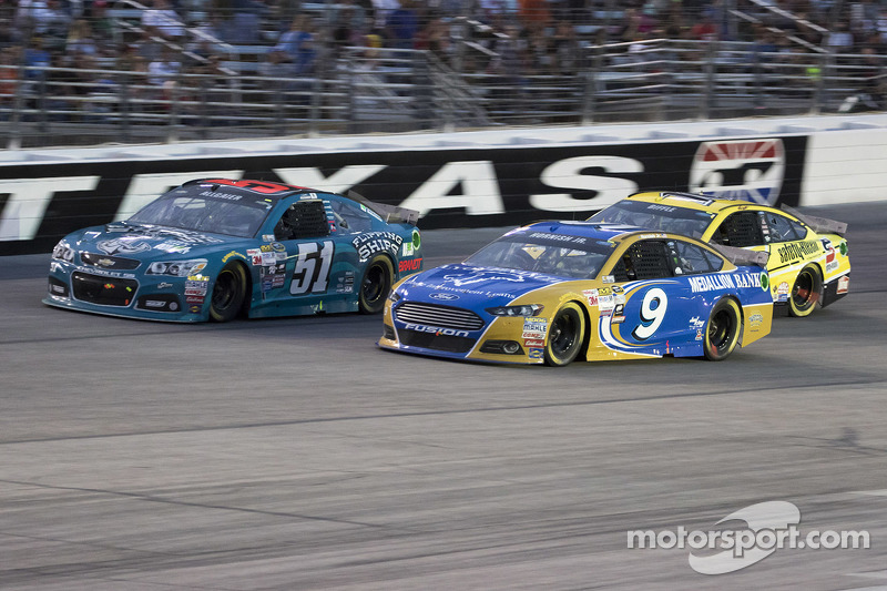 Justin Allgaier, HScott Motorsports Chevrolet and Sam Hornish Jr., Richard Petty Motorsports Ford
