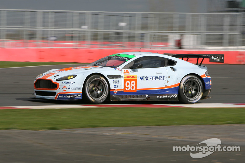 #98 Aston Martin Racing, Vantage V8: Paul Dalla Lana, Mathias Lauda, Pedro Lamy