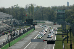 Start: #66 Black Pearl Racing by Rinaldi, Ferrari 458 Italia: Steve Parrow, Pierre Kaffer, in Führun