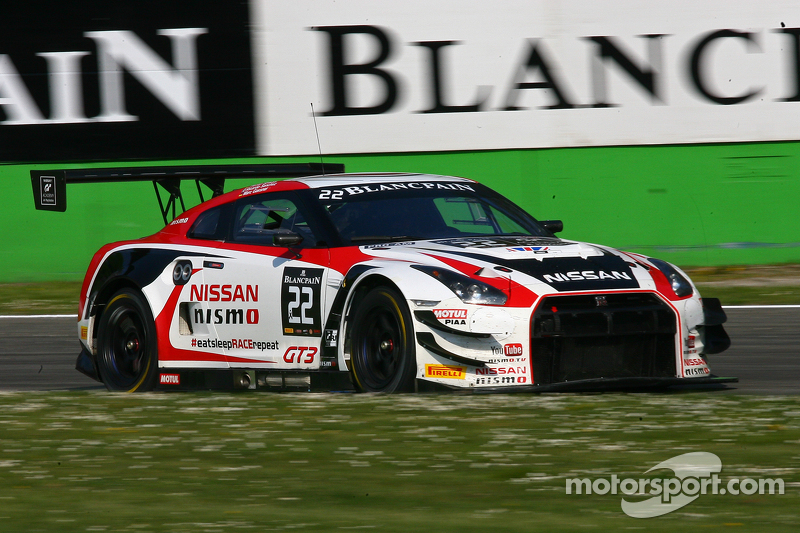 #22 Nissan GT Academy Team RJN, Nissan GT-R Nismo GT3: Ricardo Sanchez, Marc Gassner, Florian Straus
