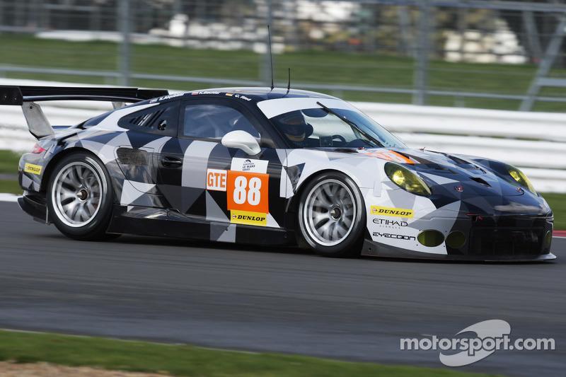 #88 Proton Competition Porsche 911 RSR: Klaus Bachler, Khaled Al Qubaisi, Christian Ried