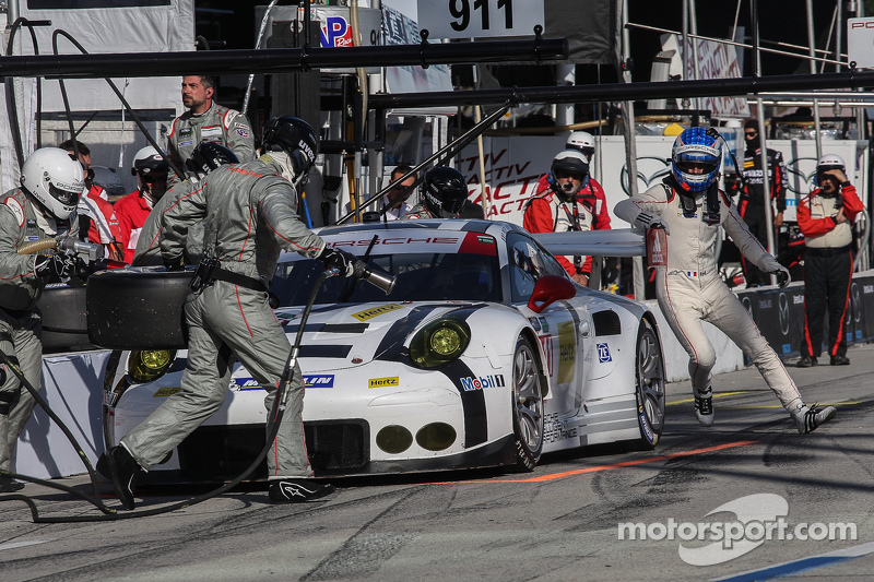 #911 Porsche North America Porsche 911 RSR: Patrick Pilet, Frederic Makowiecki