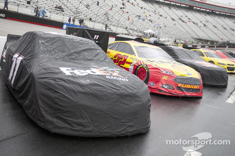 تأخير السباق بسبب الأمطار