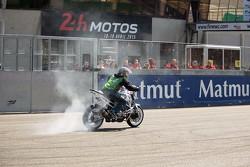 Pre-race stunt show