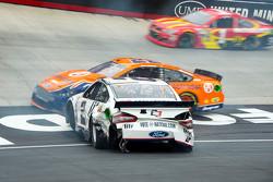 Brad Keselowski, Team Penske, Ford, mit Unfall